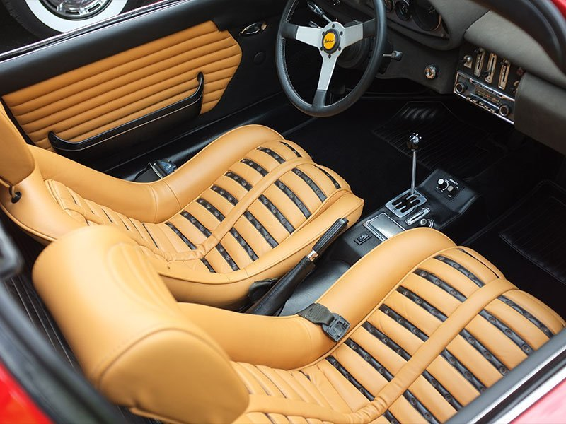 How to Choose and Install High-Performance Seats